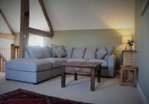 old-mill-barn-sitting-room-600x400